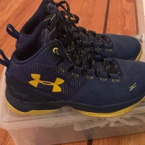 Stephen curry Size 4 shoes